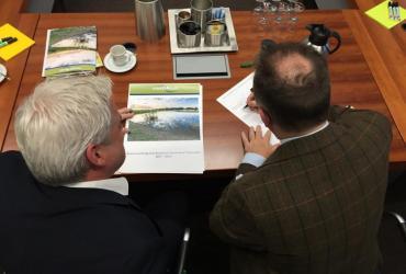 Grensoverschrijdende samenwerking in RivierPark Maasvallei gaat volgende fase in